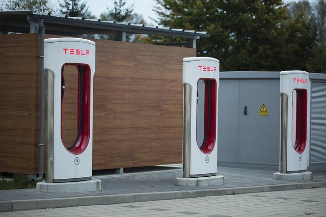 Tesla nabíjacie stanice.jpg