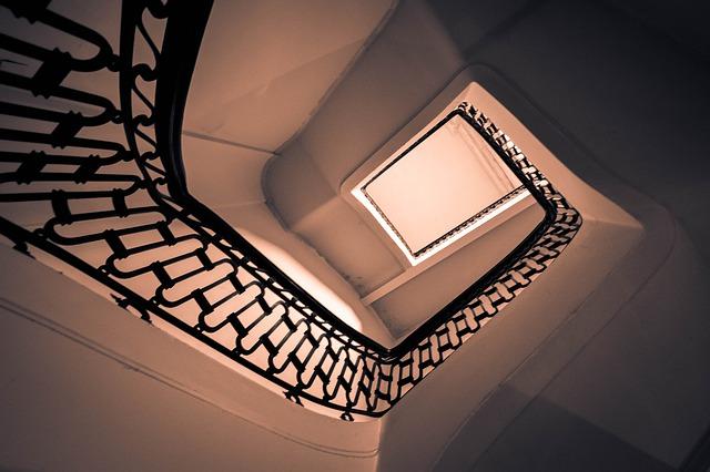 Fotka schodiska zdola.jpg